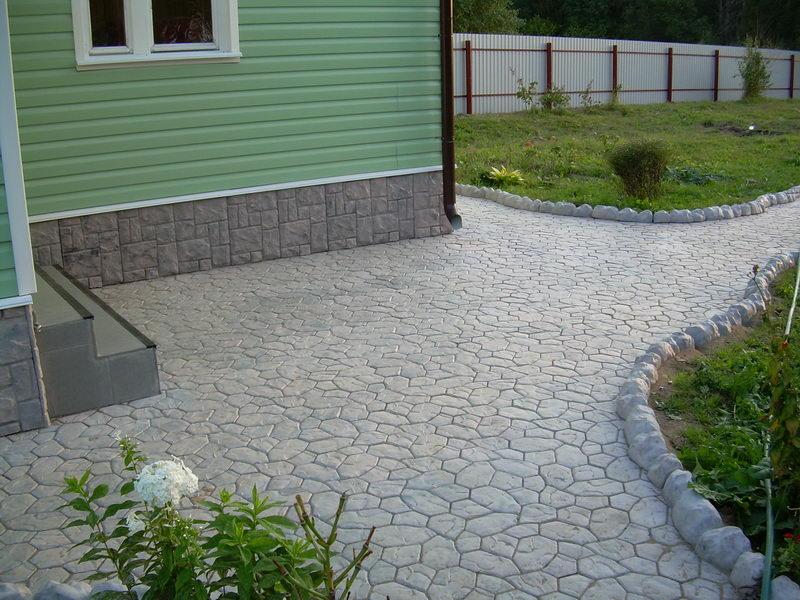 Тротуарна плитка чи асфальт?