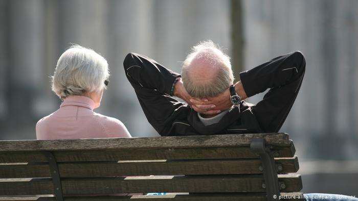 Українським пенсіонерам пояснили, чи врахують у стаж час, проведений в Центрі зайнятості