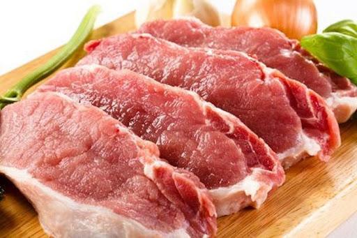 Вибираємо м'ясо на ринку