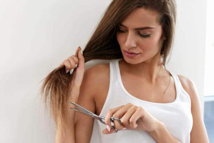 Як доглядати за волоссям, щоб його кінчики не сіклися — дієві способи