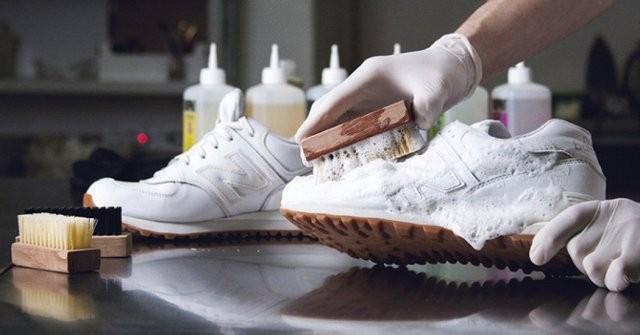 Як відмити білі кеди