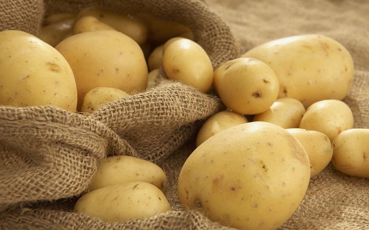 Як зберігати картоплю у квартирі взимку